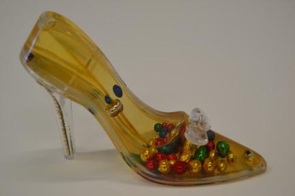esKITSCHos detall de sabata en miniatura. Museu del Calçat Inca